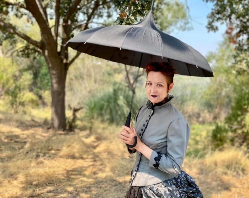 Leslie Storer with new black oriental pagoda umbrella