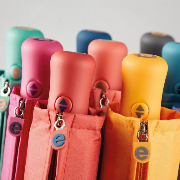 Ezpeleta Fully Automatic Folding Zipped Sleeve Umbrella all close up