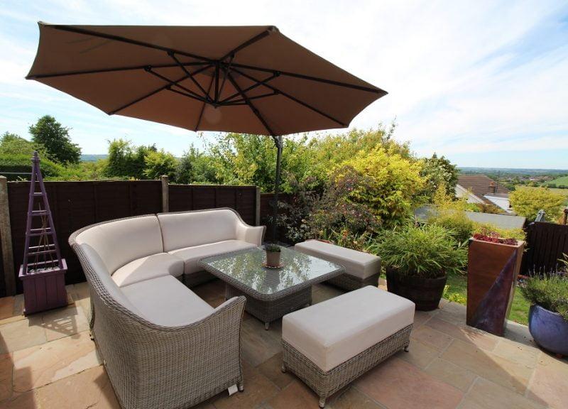 Premium 3.5m Cantilever Umbrella - Taupe