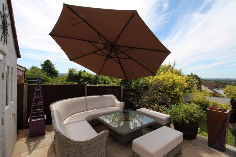 3.5m premium cantilever umbrella angled