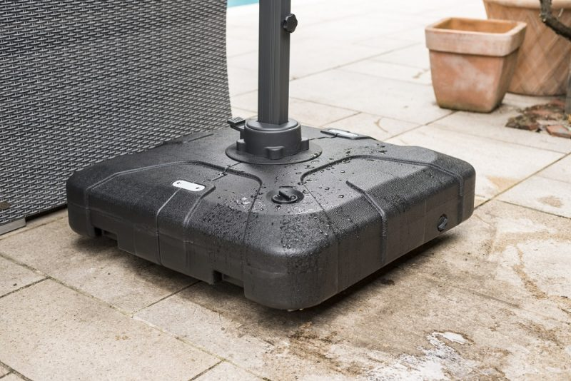 100kg water / sand filled parasol base